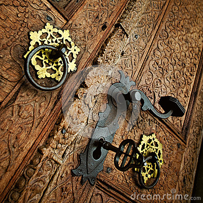Free Vintage Wooden Door Royalty Free Stock Photos - 27495518
