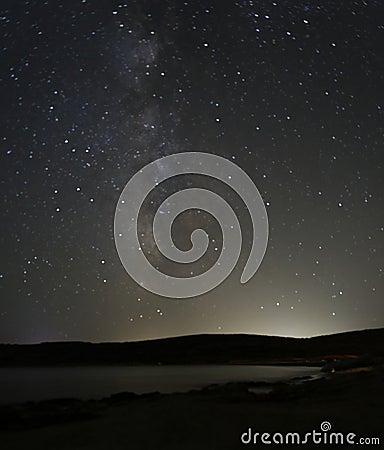 Vintergatanstjärnor på natten