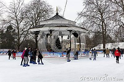 Vinterunderland i Hyde parken, London Redaktionell Foto