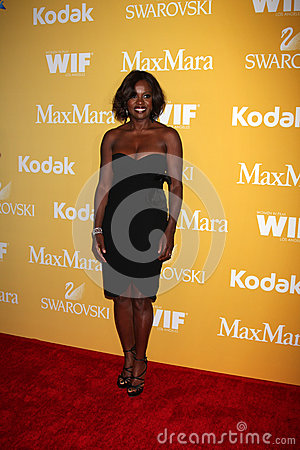 Viola Davis arrives at the City of Hope s Music And Entertainment Industry Group Honors Bob Pittman Event Editorial Stock Photo