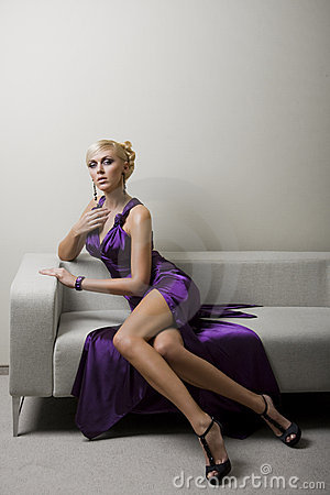 Free Violet Lady Royalty Free Stock Image - 9485536