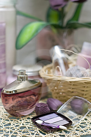 Free Violet Spa And Cosmetics Royalty Free Stock Photos - 4396958