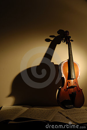 Free Violin Royalty Free Stock Photos - 3365618