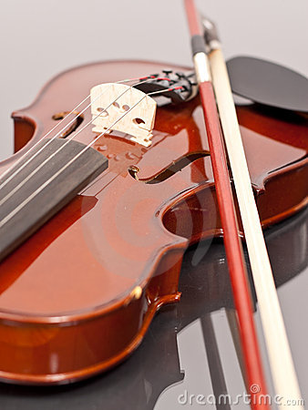 Free Violin Lessons Royalty Free Stock Photography - 14807497