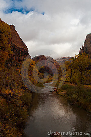 Free Virgin River In Zion Royalty Free Stock Images - 13663549