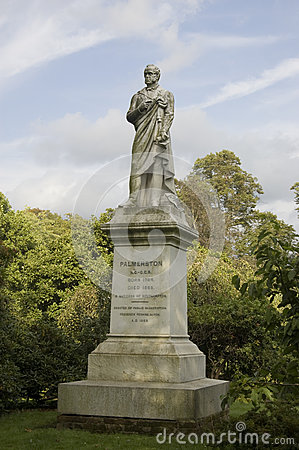 Viscount Palmerston statue, Southampton