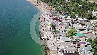 Visión desde la vista panorámica de las consecuencias del derrumbamiento en la ciudad de Chernomorsk, Ucrania metrajes