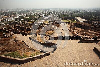 Visión desde la tapa de la fortaleza de Golconda, Hyderabad Imagen de archivo editorial