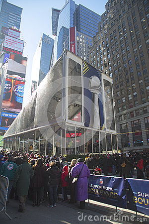 Visitors waiting in line to enter Vince Lombardi Trophy Pavilion on Broadway during Super Bowl XLVIII week in Manhattan Editorial Photography