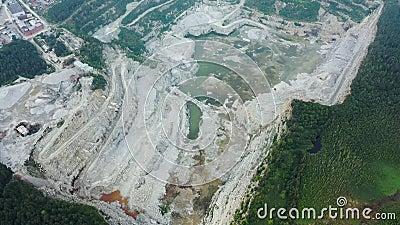 Vista aérea do Panorama fotografar minas a carvão, dumpers, extração de extração de extração de carvão Truque de Mineração Amarel vídeos de arquivo