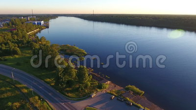 Vista aérea do riverbank de Neva video estoque