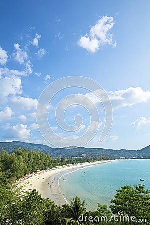 Vista aérea da praia de Kamala