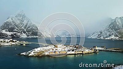 Vista de la isla, islas de Lofoten, Noruega metrajes