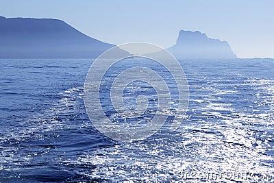 Vista del Calpe Ifach Peñon dal Mediterraneo