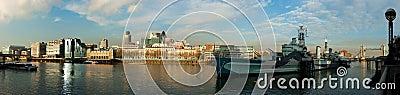 Vista del río Thames y HMS Belfast