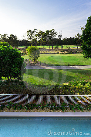 Vista di terreno da golf dal balcone