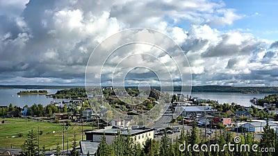 Vista panoramica di Back Bay, Old town e Yellowcoltello Bay di Yellowcoltello, Canada stock footage