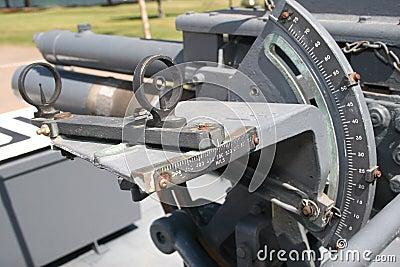 Vista para el arma del mortero de los 81Mm