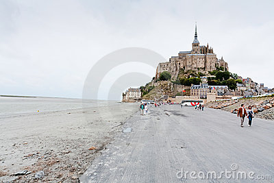 Vista sul Saint-Michel di Mont, Francia Immagine Editoriale