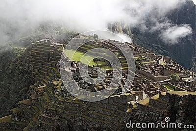 Vista superior de la ciudad antigua de Machu Picchu