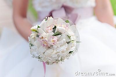 Vit bröllopbukett
