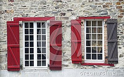 Vitre, Bretagne, vensters