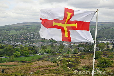 Vlag van Engeland op Brits plattelandslandschap