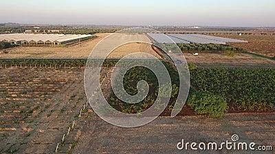 Vlucht op platteland stock footage