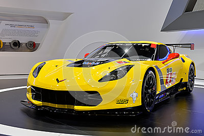 Voiture de course gtr de corvette photo ditorial image 38956681 - Image voiture de course ...