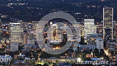 Volando día a noche en Portland, Estados Unidos 4K almacen de video