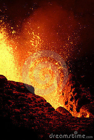 Free Volcano Eruption Royalty Free Stock Image - 3075246