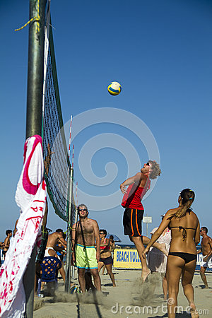Voleibol de playa Foto editorial