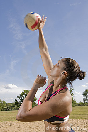 Free Volleyball Overhand Serve Royalty Free Stock Photos - 5629898