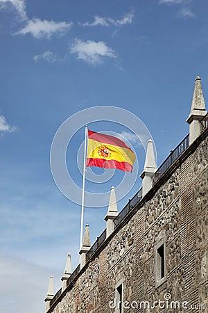 Volo della bandiera dello Spagnolo