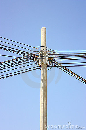 Voltage pylon