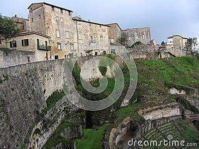 Volterra城镇和圆形露天剧场