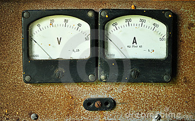 Voltmeter and amperemeter