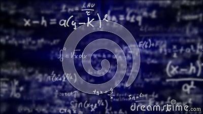 Voo da câmera com as equações e as fórmulas matemáticas video estoque