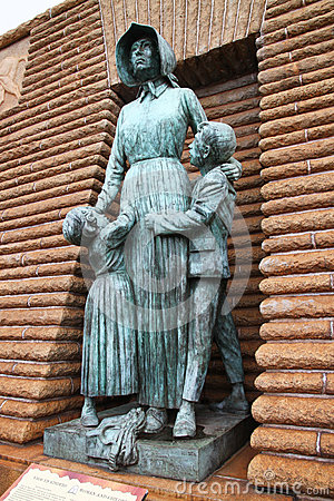 Voortrekker woman and children