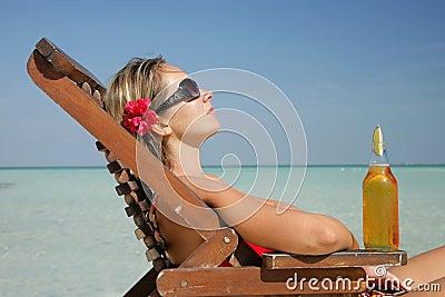 Vrouw in deckchair
