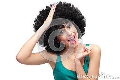 Vrouw met hand op haar hoofd