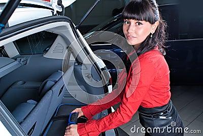 Vrouw met koffer