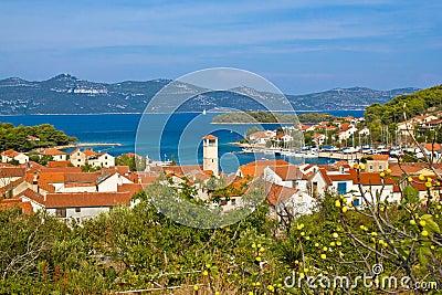Vue adriatique d île de Veli Iz