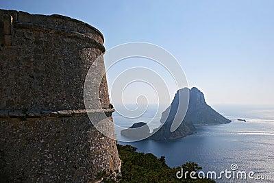 Vue aérienne de roche d es Vedra, île d Ibiza [Espagne]