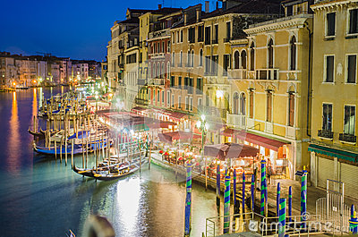 Vue de passerelle de Rialto Photo stock éditorial