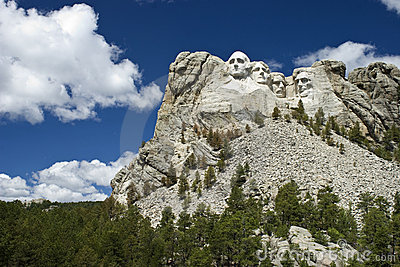 Vue large de stationnement national de Rushmore de support Photographie éditorial