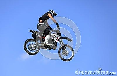 Vuelo de la bici Imagen editorial