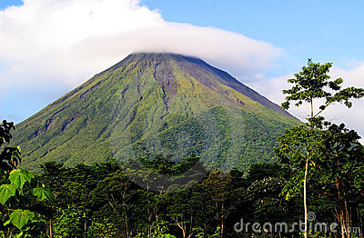 Vulcano di Arenal del supporto in Costa Rica