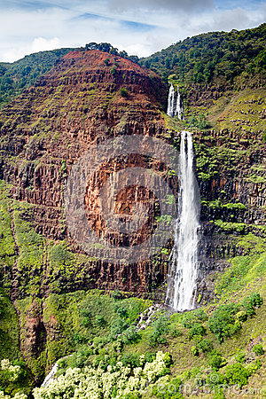 Free Waipoo Falls, Waimea Canyon, Kauai Stock Images - 86576284