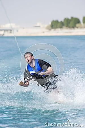 Wakeboarder dans l action
